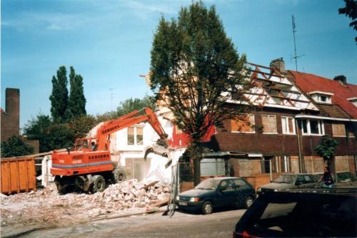 1996090004